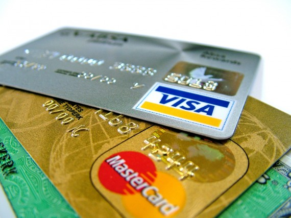 Credit-Cards-570x427