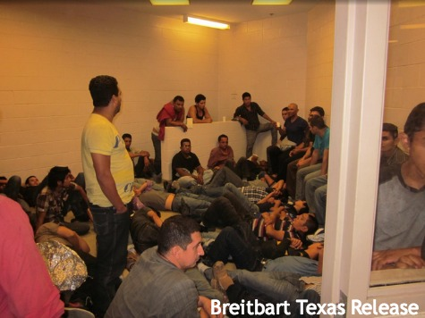 IMMIGRANTS flooding the border into usa Brownsville texas 005