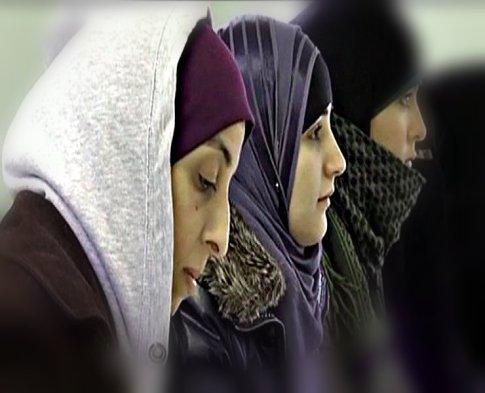 screenhot women wearing jihab edited 740 x600