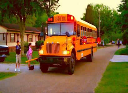 BE FUNKY schoolbus