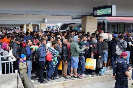 Wien Westbahnhof railway station - migrants on their way to Germany (Wikipedia)