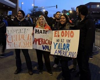 Pre-organized Anti-Trump Rally chicago by John W Iwanski Flickr (cc)