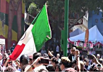 BEFUNKY screenshot la raza raises mexican flag in california park 2