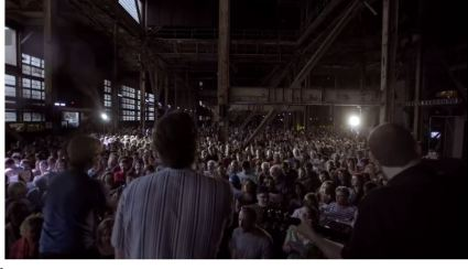 screenshot - 1500 people gather to sing hallelujah with choir choir choir and rufus wainright