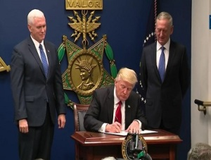 screenshot-president-trump-after-swearing-in-james-mattis-signs-eos-suspending-visa-waiver-and-refugee-programs-367-x-278